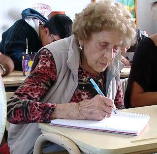 99-letnia uczennica podstawówki