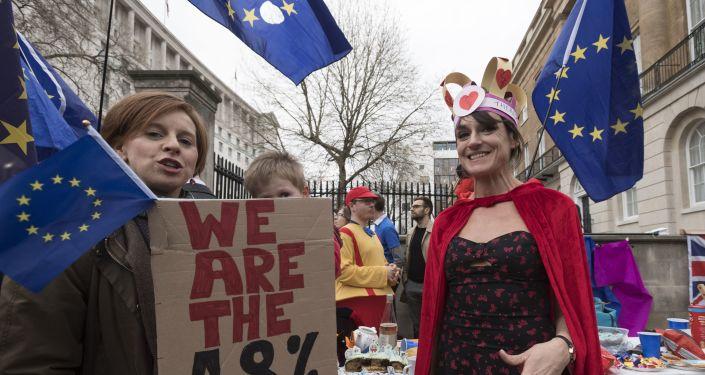Przeciwnicy wyjścia Wielkiej Brytanii z UE na ulicy Londynu
