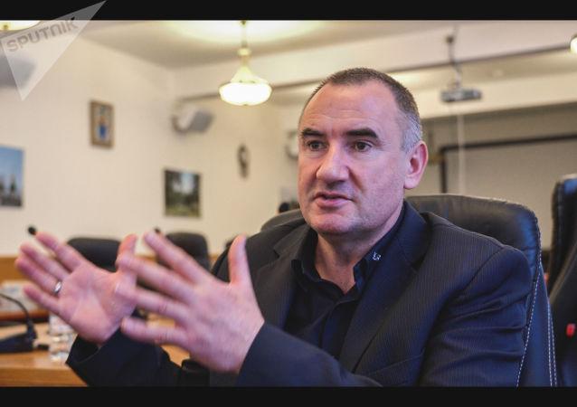 """Przewodniczoncy polskiego stowarzyszenia """"Kursk"""" Jerzy Tyc"""