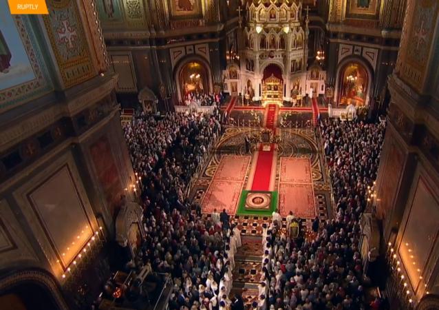 Prawosławni świętują Paschę.