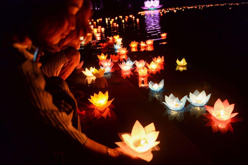Buddyści podczas obchodów święta Vesak w Wietnamie