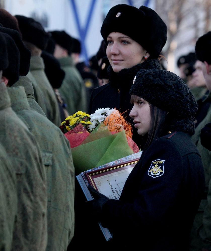 Żołnierki podczas obchodów Dnia morskiej piechoty we Władywostoku, 2013 rok