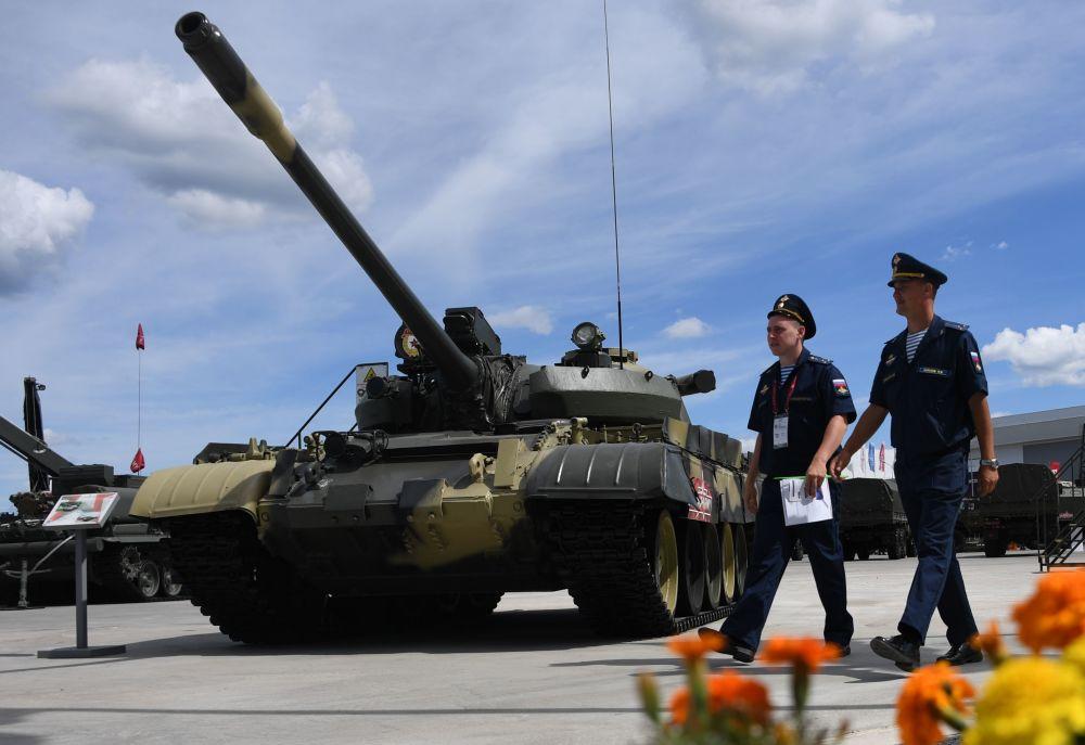 """Radziecki czołg Т-55А na Międzynarodowym Forum Wojskowym """"Armia-2019"""""""