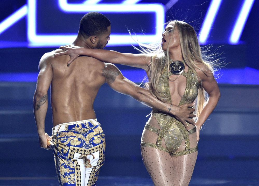 Jennifer Lopez podczas ceremonii wręczenia nagród MTV Video Music Awards, 2018 rok