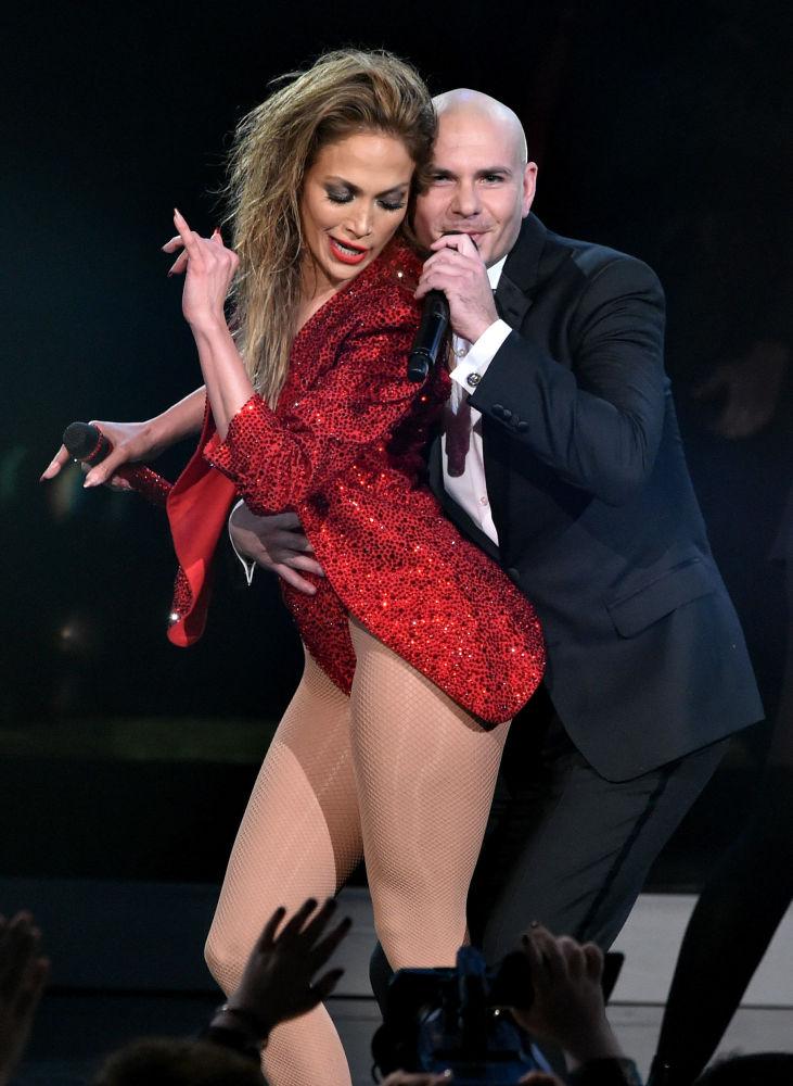 Jennifer Lopez i Pitbull podczas występu na ceremonii wręczenia nagród Grammy, 2014 rok