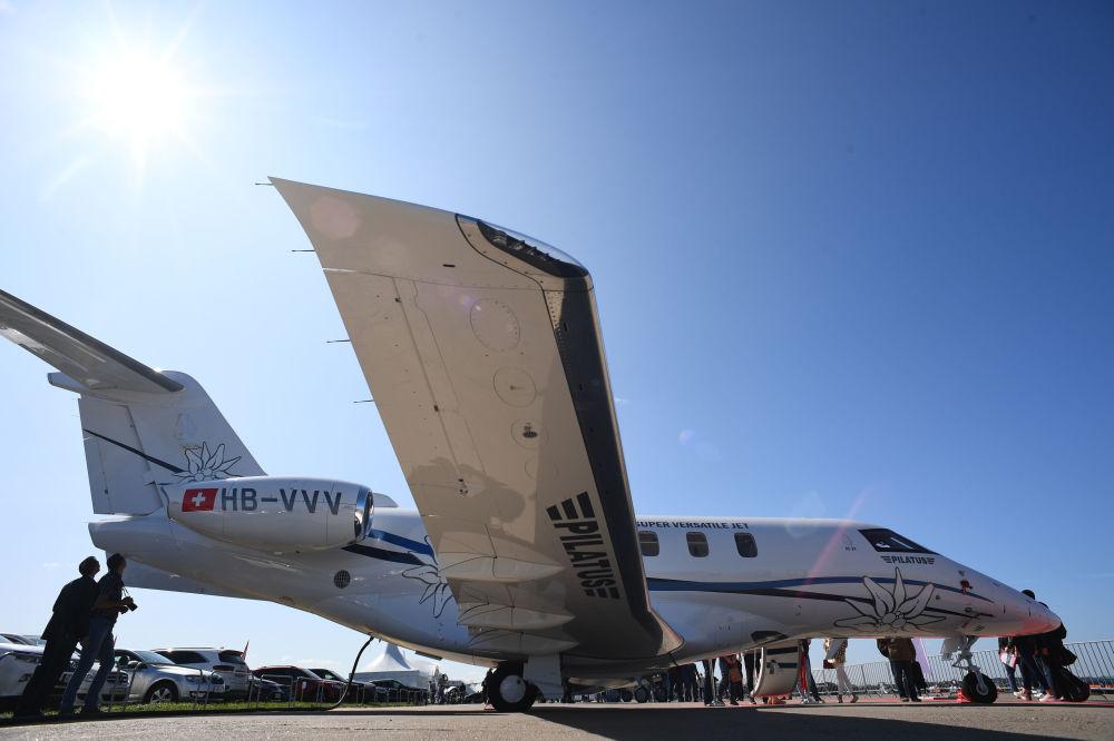 Szwajcarski samolot Pilatus PC-24 na Salonie Lotniczym i Kosmicznym MAKS 2019