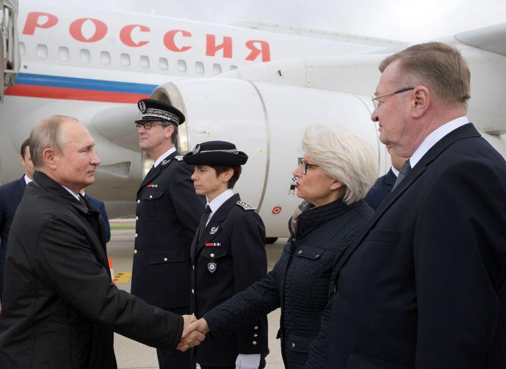 Władimir Putin przybył do Paryża na ceremonię pogrzebową byłego prezydenta Francji