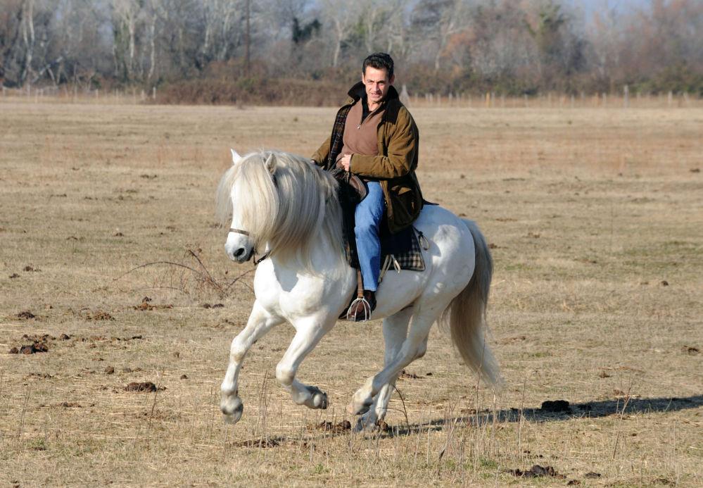 Prezydent Francji Nicolas Sarkozy jeździ na ranczo Mas du Juge w południowej Francji