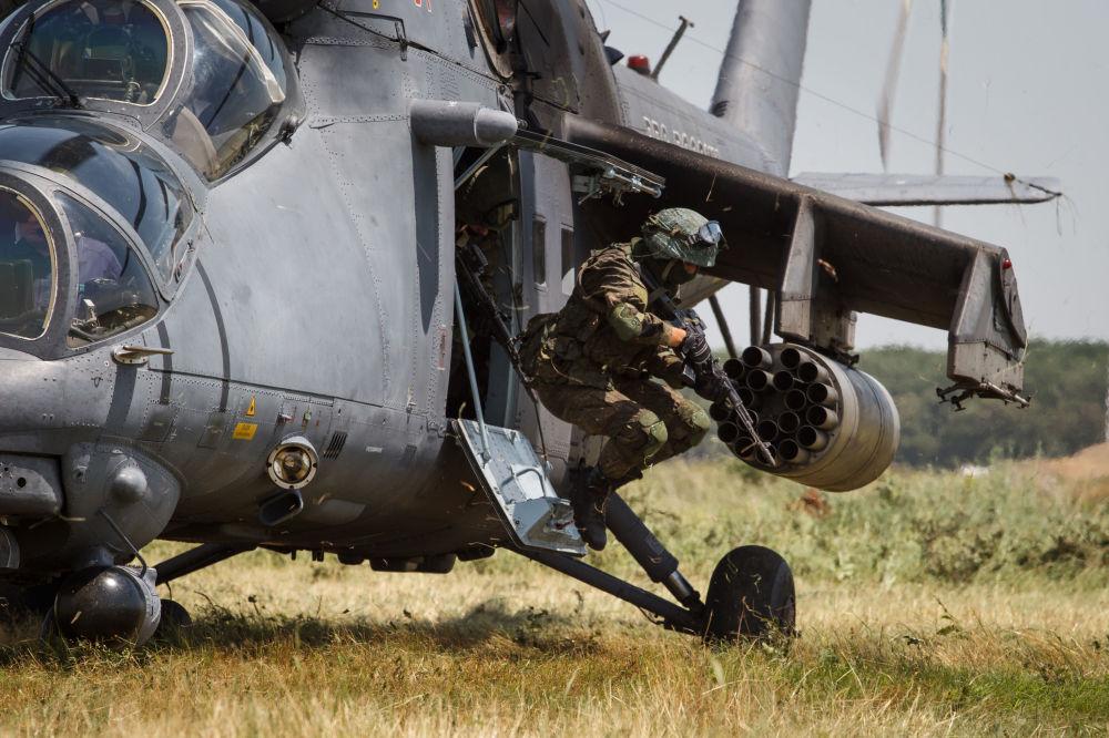 Loty szkoleniowe śmigłowca Mi-35M na terytorium Kraju Krasnodarskiego