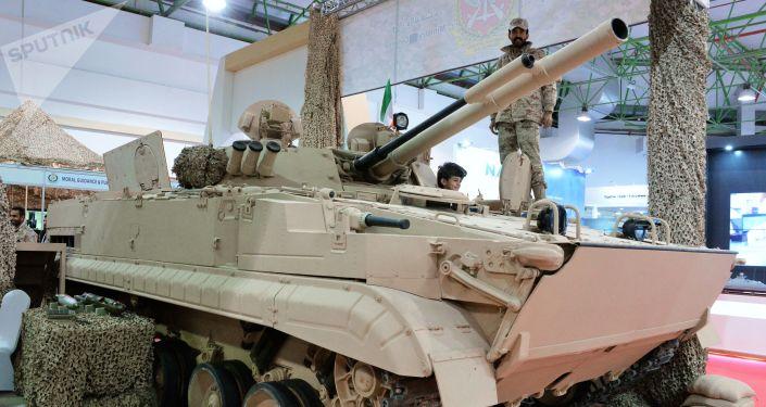 BMP-3M (Rosja), który jest w służbie armii Kuwejtu, na międzynarodowej wystawie broni i sprzętu wojskowego Gulf Defence & Aerospace-2017 w Kuwejcie