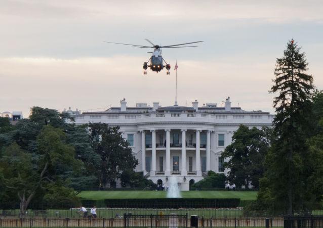 Marine One nad Białym Domem