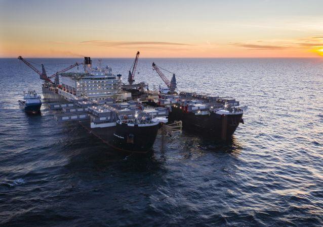 Pioneering Spirit na wodach Szwecji