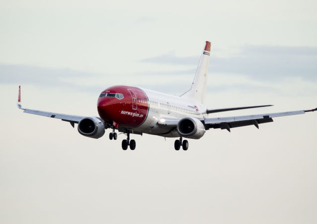 Boeing 737-33S Norwegian