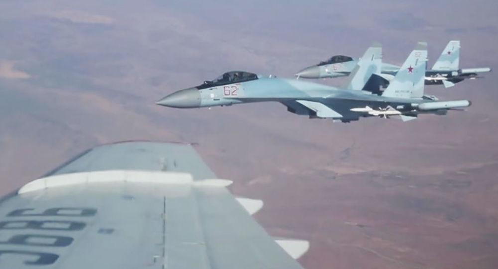 Siergiej Szojgu przelatuje nad Syrią