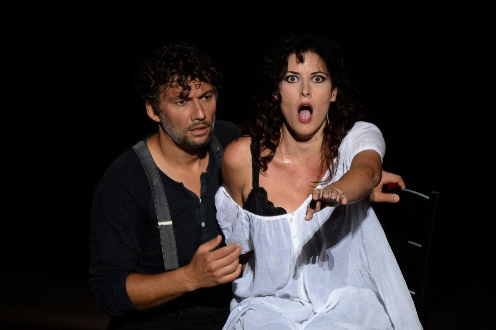 Niemiecki tenor Jonas Kaufmann podczas próby opery Carmen we Francji