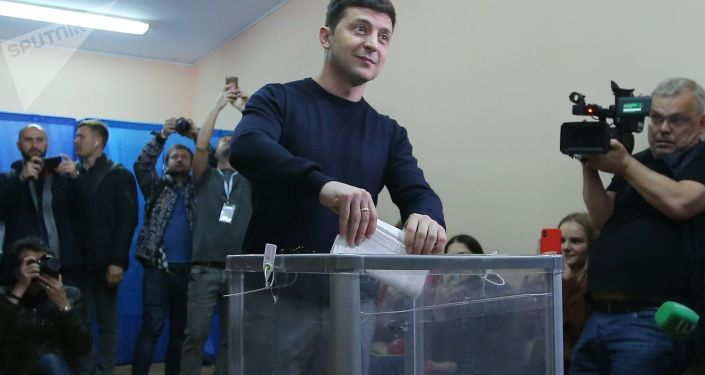 Wołodymyr Zełenski podczas głosowania