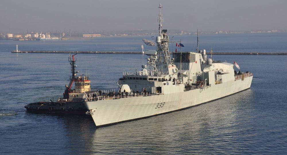 Kanadyjska marynarka wojenna Fregata HMCS Toronto w porcie Odessa, Ukraina