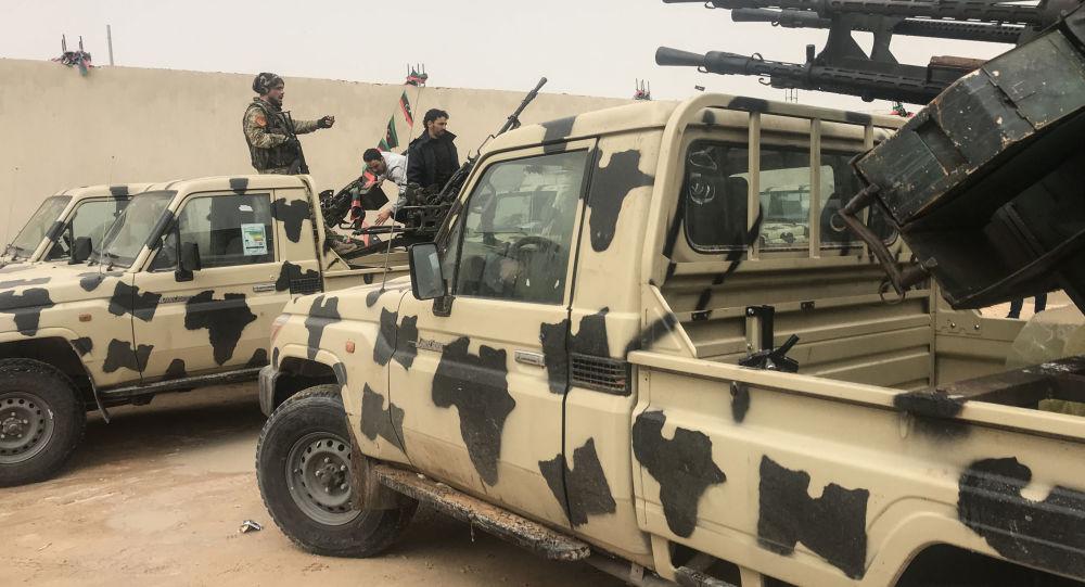 Transport przechwycony przez oddziały Khalifa Haftara w nadmorskim mieście Zawiya, na zachód od Trypolisu, Libia