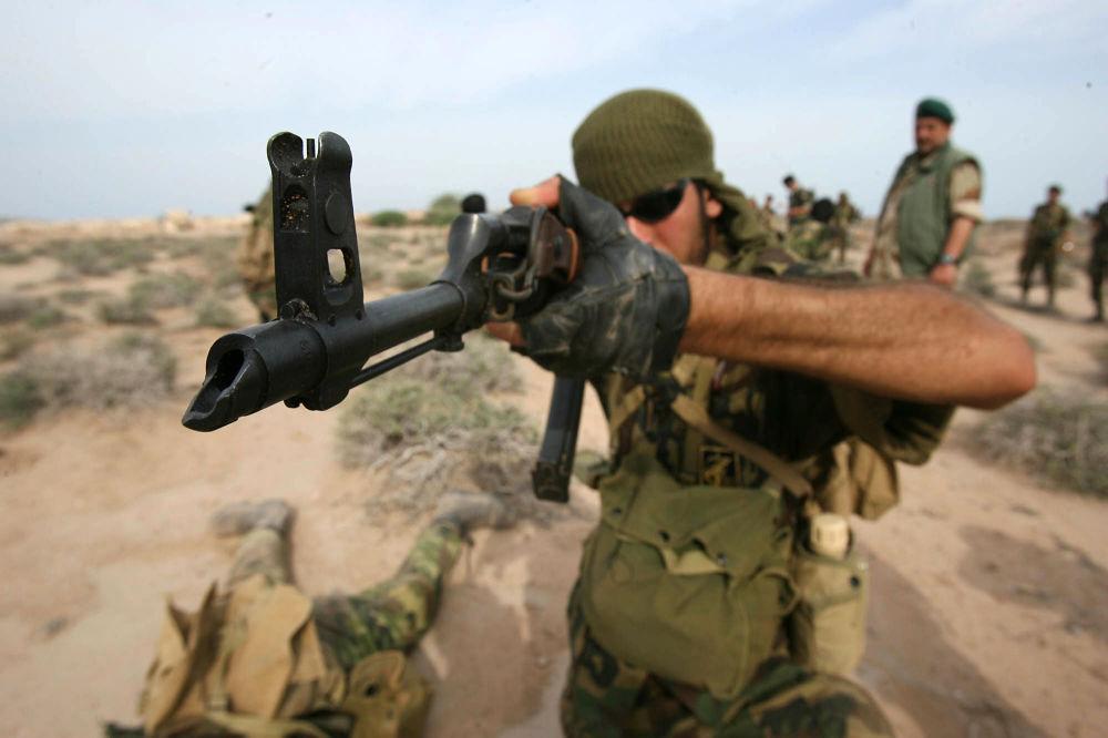 Irański Korpus Strażników Rewolucji Islamskiej podczas ćwiczeń