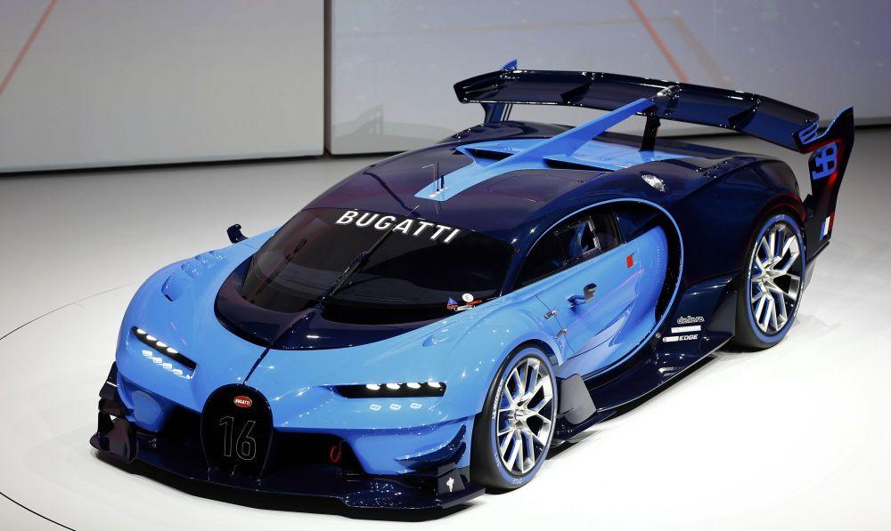 Samochód Bugatti Vision przed otwarciem wystawy motoryzacyjnej Internationale Automobil-Ausstellung - 2015 we Frankfurcie nad Menem