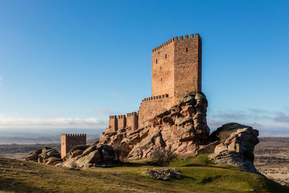 Castillo de Zafra – hiszpański zamek obronny z XII wieku
