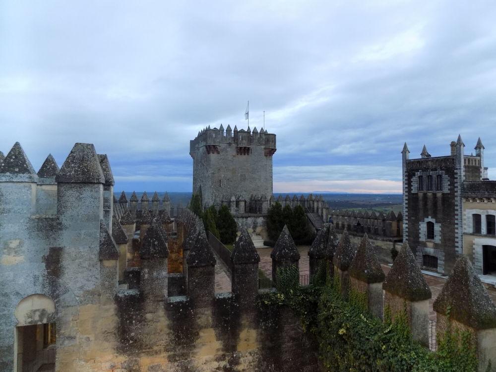 Zamek Almodóvar del Río w Hiszpanii