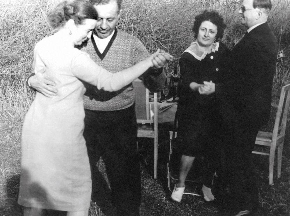 Amazasp Babadżanian tańczy z żoną
