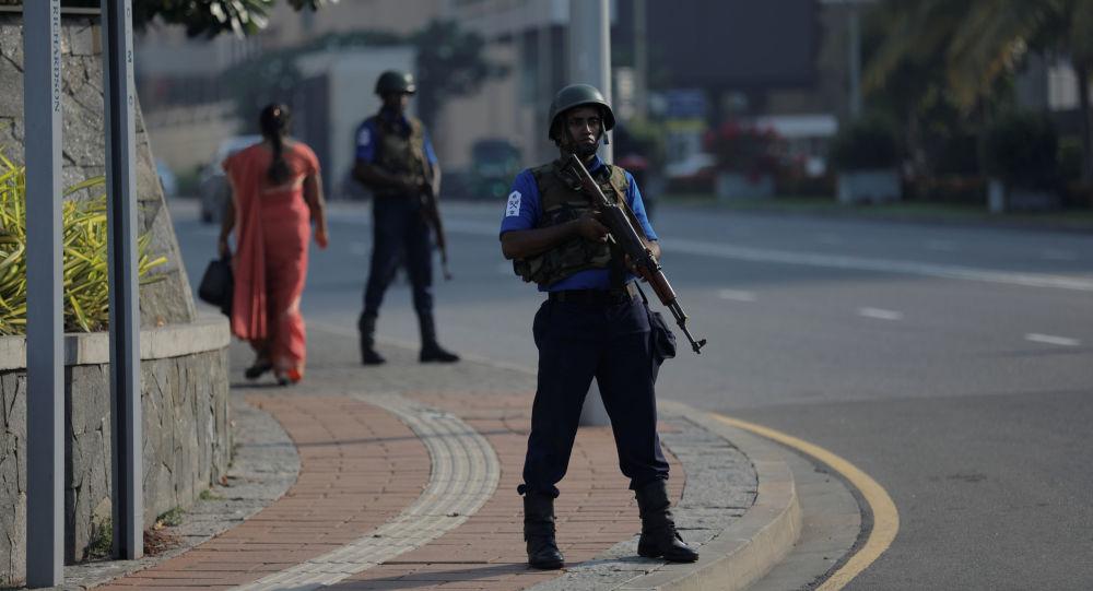 Żołnierz na ulicy Kolombo, Sri Lanka