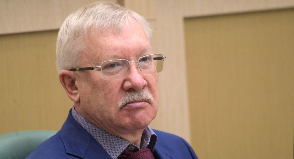 Członek Komisji do Spraw Zagranicznych Rady Federacji Oleg Morozow