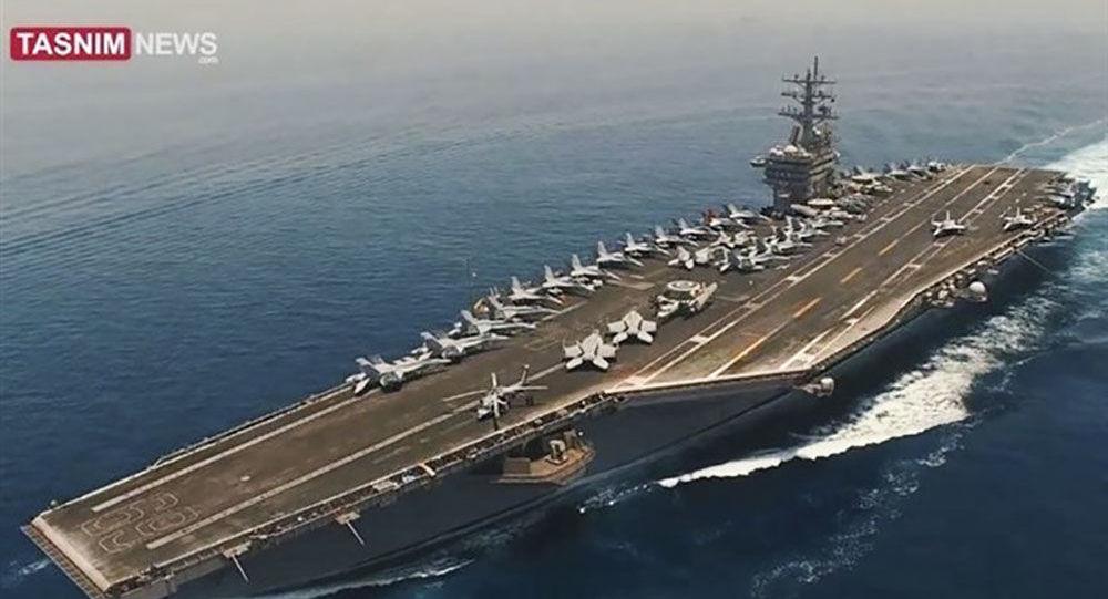 Kadr z wideo zrobionego przez irańskiego drona nad amerykańskim lotniskowcem w Zatoce Perskiej