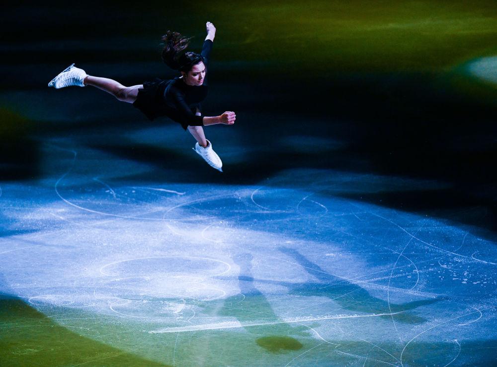 Rosyjska łyżwiarka figurowa Jewgienija Miedwiediewa na Mistrzostwach Świata w łyżwiarstwie figurowym w Saitame.