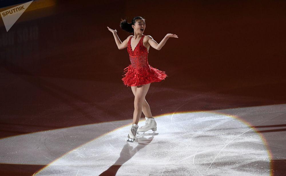 Japońska łyżwiarka figurowa Kaori Sakamoto podczas występu w Grand Prix w łyżwiarstwie figurowym w Helsinkach.