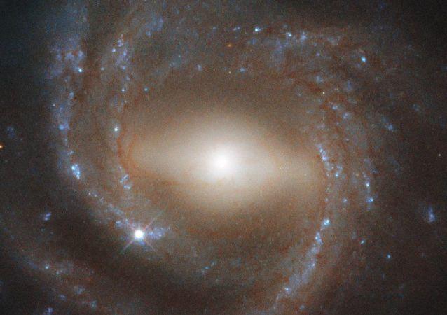 Galaktyka NGC 7773, która jest podobna do Drogi Mlecznej