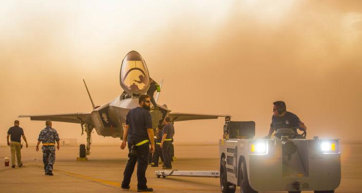 Myśliwiec F-35A Lightning II w bazie Luke Air Force w Arizonie