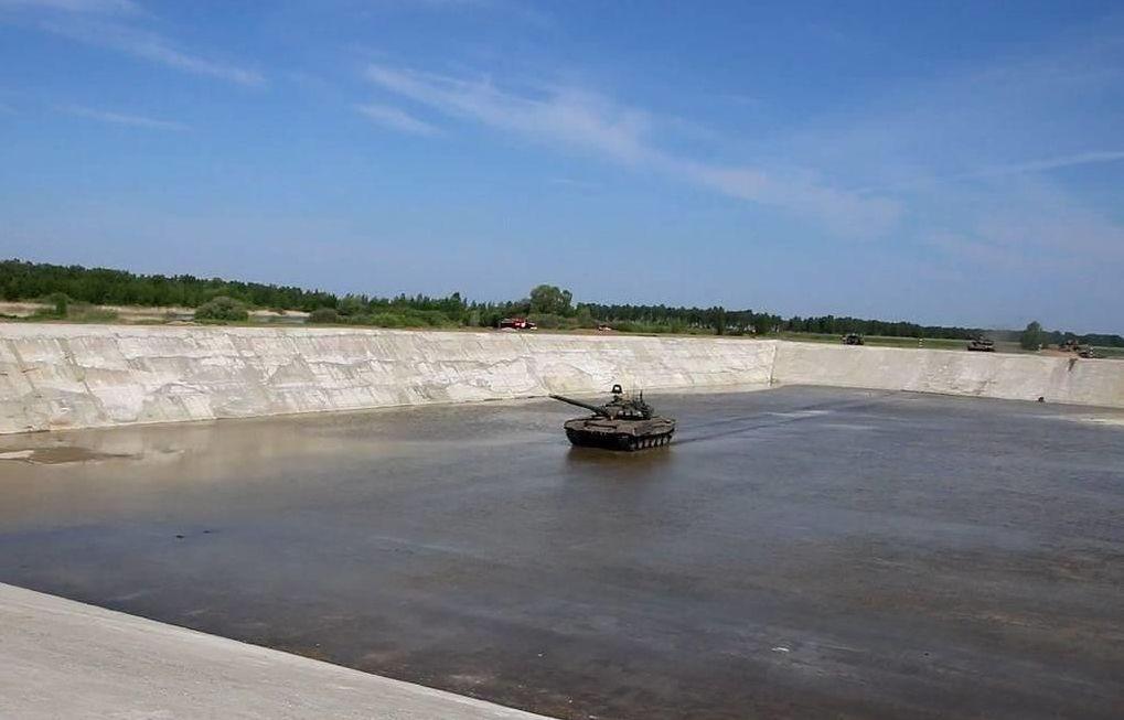 Największy w Rosji sztuczny basen morski w Omskim Czołgowo-Samochodowym Instytucie Inżynieryjnym