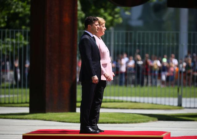 Kanclerz Niemiec Angela Merkel i prezydent Ukrainy Wołodymyr Zełenski