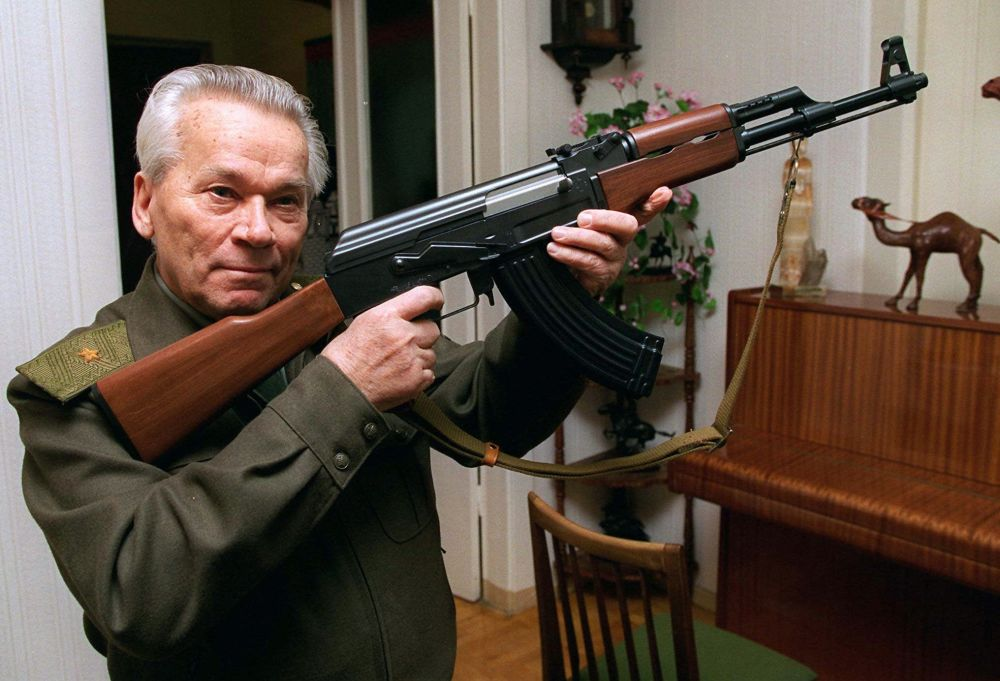 Konstruktor Michał Kałasznikow i AK-47