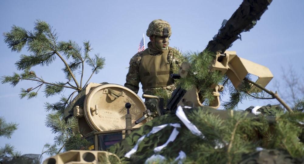 Amerykański żołnierz na manewrach w Polsce