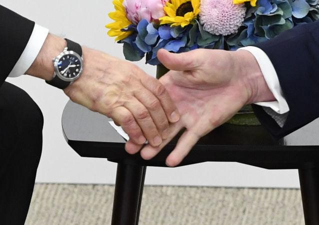 Donald Trump i Władimir Putin w Japonii