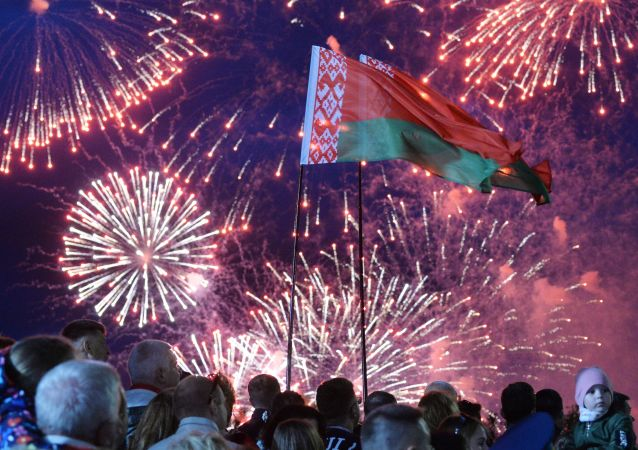 Fajerwerki w Mińsku z okazji Dnia Niepodległości