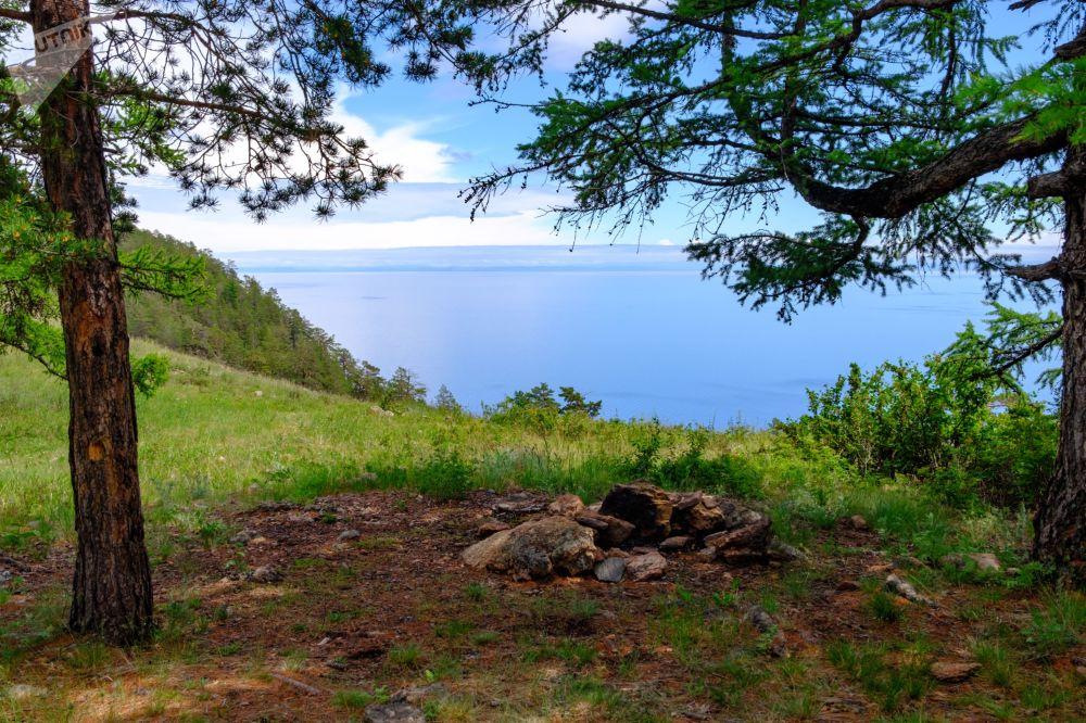 Wyspa Olchon na jeziorze Bajkał w obwodzie irkuckim.