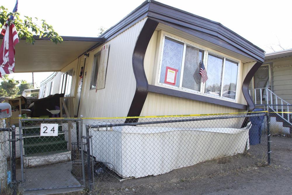 Samochód kempingowy w Ridgecrest po najsilniejszym od 25 lat trzęsieniu ziemi w Kalifornii (USA).