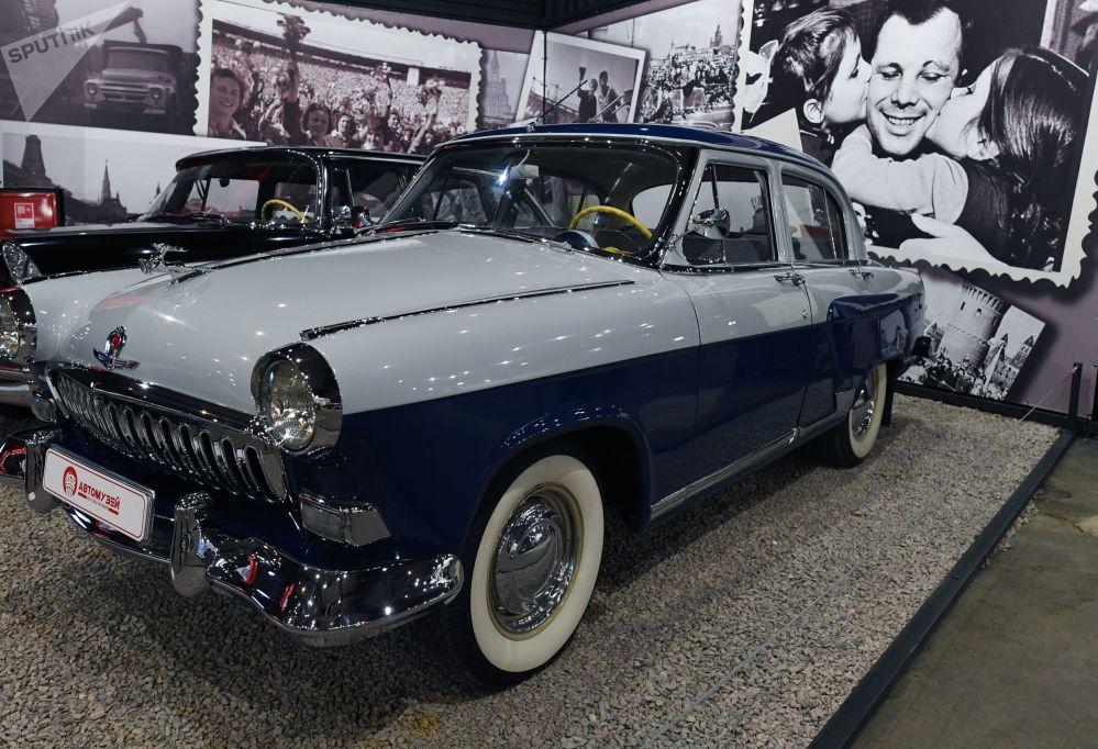 Radziecki samochód GAZ-21 Wołga