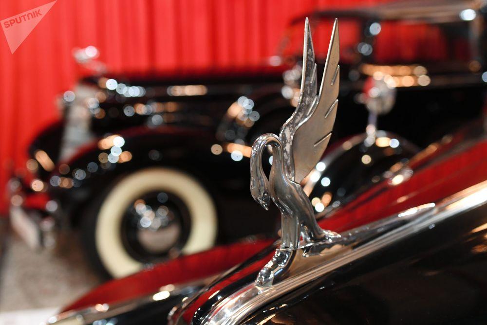 Samochód Packard series 180