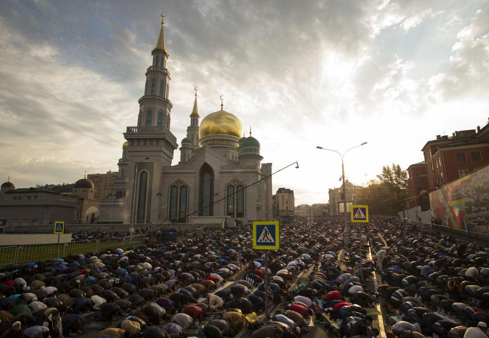 Obchody Id al-Adha w Moskiewskim Meczecie Katedralnym