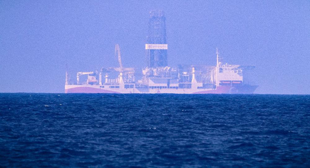 Turecki statek wiertniczy FATIH na Morzu Śródziemnym