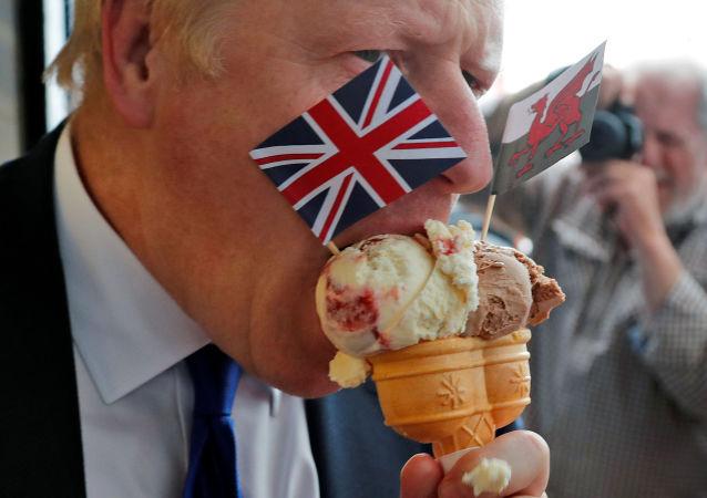 Kandydat Partii Konserwatywnej Borisa Johnsona na premiera Wielkiej Brytanii przed rozpoczęciem debaty z ministrem spraw zagranicznych Jeremy Huntem