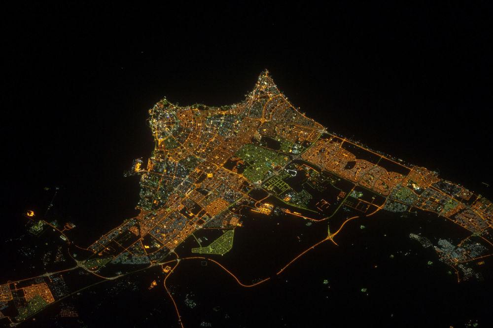 Nocny widok na Kuwejt z kosmosu