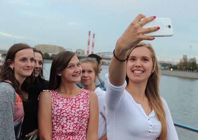 Medialny atak na polskie licealistki w Moskwie