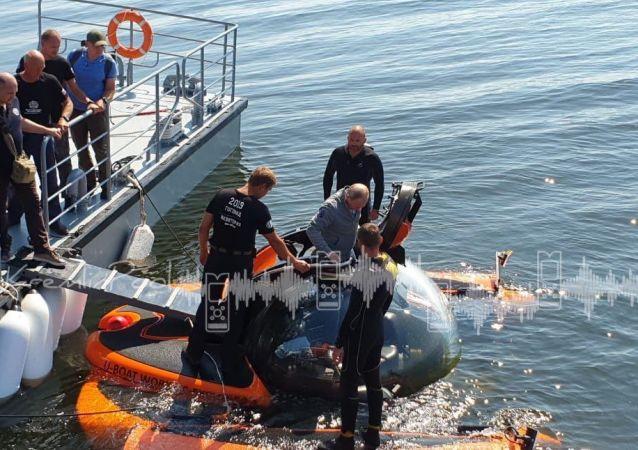 Putin nurkował w miejscu zatonięcia okrętu podwodnego